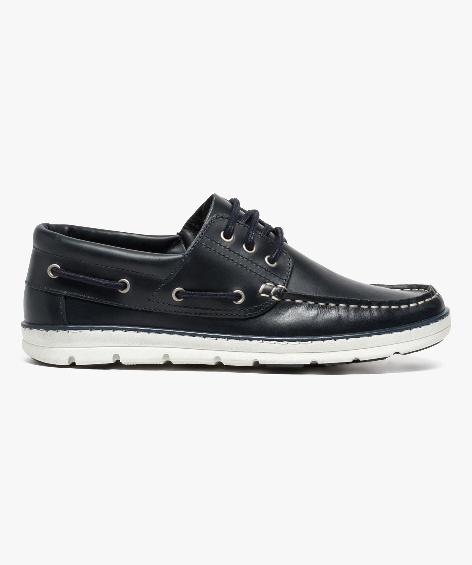 Chaussures bateau homme à lacets et dessus cuir