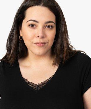 Tee-shirt de nuit femme avec col V bordé de dentelle vue2 - GEMO(HOMWR FEM) - GEMO