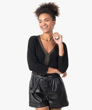 Tee-shirt femme avec col V fantaisie  vue1 - GEMO(FEMME PAP) - GEMO