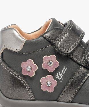 Chaussures bébé fille à scratch décor fleurs - Geox vue6 - GEOX - Nikesneakers