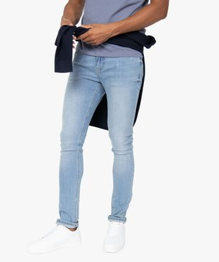 Jean homme skinny avec traces d'usure et délavage économe en eau vue1 - GEMO C4G HOMME - GEMO