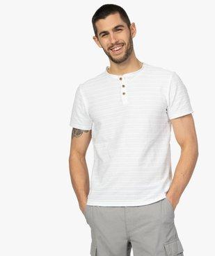 Tee-shirt homme à col tunisien en maille texturée aspect rayé vue2 - GEMO (HOMME) - GEMO