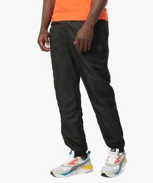 Pantalon de sport homme avec zips dans le bas - Umbro vue1 - UMBRO - Nikesneakers