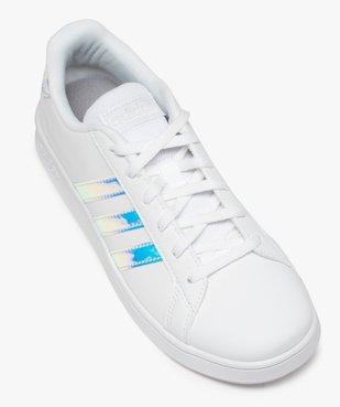 Baskets femme à bandes irisées – Adidas Grand Court K vue5 - ADIDAS - Nikesneakers