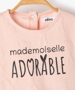 Robe bébé fille ample à manches longues et motifs en relief vue2 - Nikesneakers(BEBE DEBT) - Nikesneakers