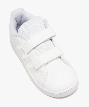 Tennis fille à scratch détails irisés – Adidas Grand Court vue5 - ADIDAS - Nikesneakers