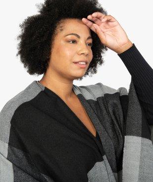 Poncho femme à larges carreaux avec finitions franges. vue5 - GEMO (ACCESS) - GEMO