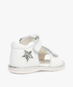 Sandales bébé fille en cuir avec étoiles et cœur vue4 - GEMO(BEBE DEBT) - GEMO