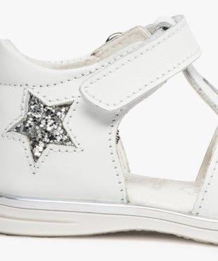 Sandales bébé fille en cuir avec étoiles et cœur vue6 - GEMO(BEBE DEBT) - GEMO